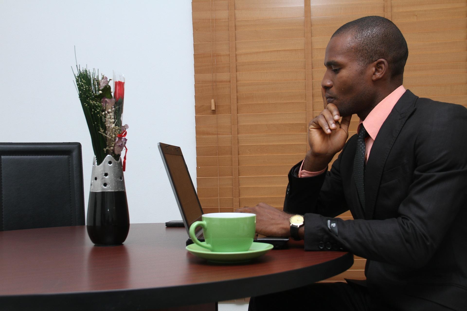 Ako si založiť spoločnosť online?
